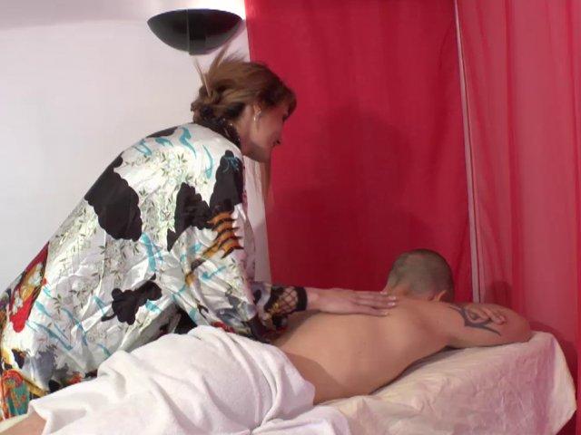 Mère au foyer accro à la sodomie