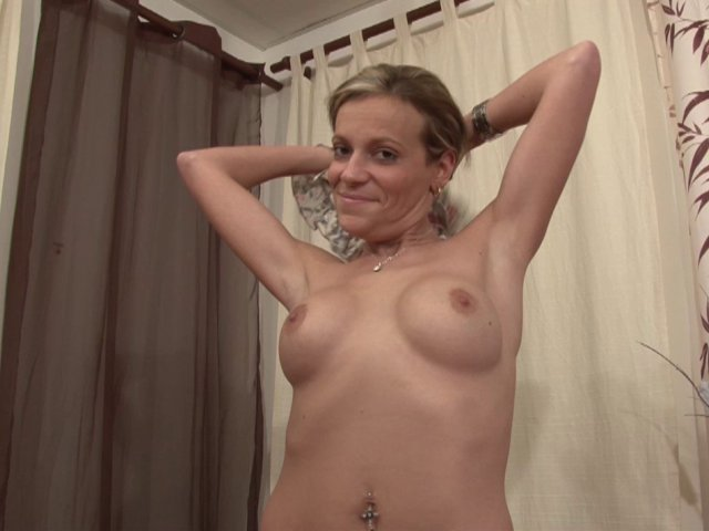 Vidéo sodomie douloureuse pour une amatrice blondasse !