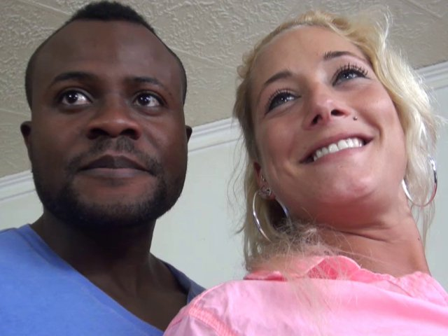 Laplace libertine avec femme blonde coquine de Montpellier !