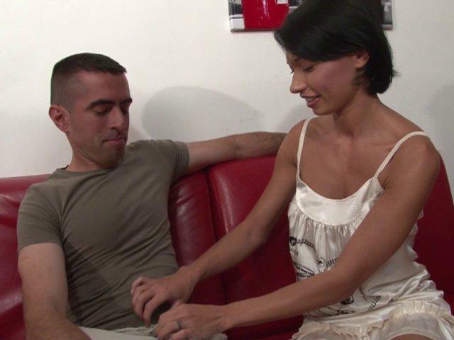 Excitant casting porno d'une franco-vietnamienne